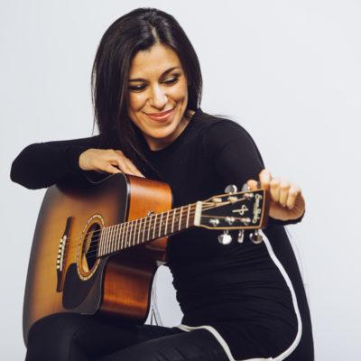 Stephanie Pedraza Vancouver Singer Guitarist