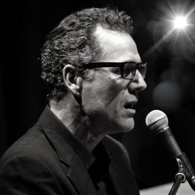Tom Arntzen Vancouver Singer/Pianist
