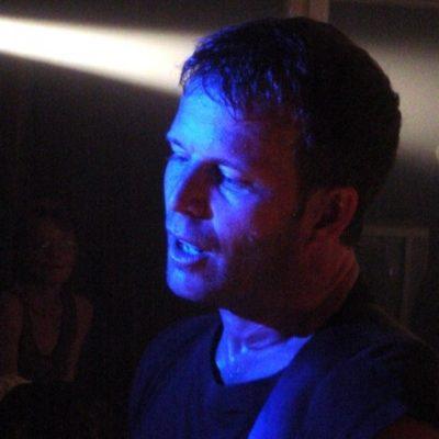 Sean Dillon Vancouver Singer/Guitarist