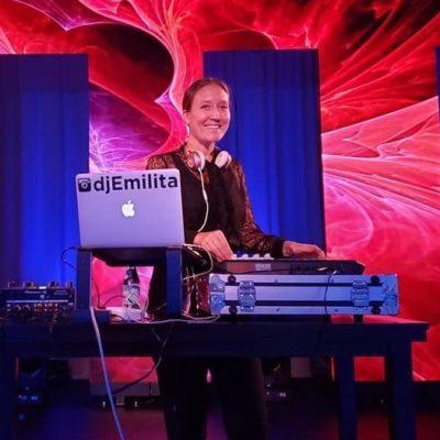 Vancouver DJ Emilita GirlOnWax