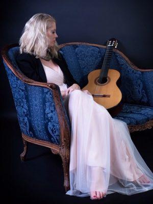 Louisa Southwood Vancouver Classical Guitarist