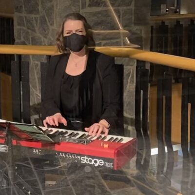 Vancouver Pianist Jen Lewin with mask