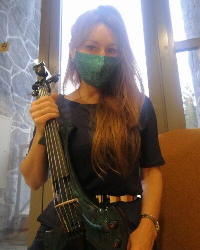 Suzka Vancouver Violinist